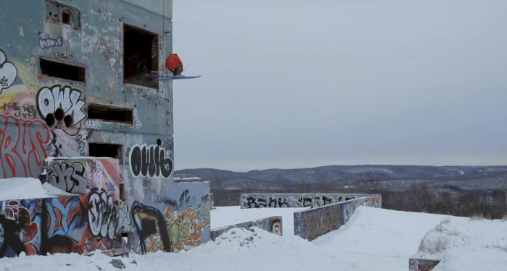 JF Houle, Jessy Cornu und ihre Freunde auf einer verlassenen Militärbasis
