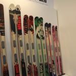 Der BIG HOSS ist ein Ski für die richtig großen Jungs. Der ist nix für Spielereien! Vielseitiger ist da schon eher THE DOC im grünen Design...