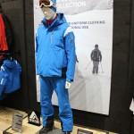 Dieses stylische Outfits ist Guides und Ski Instructors vorenthalten. Schade!