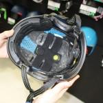 Von außen unscheinbar und schlicht, verbirgt sich im Inneren des Helms eine neue Shock-absorbing Membran, die auch bei den Rückenprotektoren von SLYTECH zum EInsatz kommt.