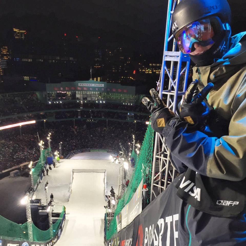 Andri genießt die Aussicht von der Rampe im Fenway Park. 16.000 Fans waren in Boston am Start!