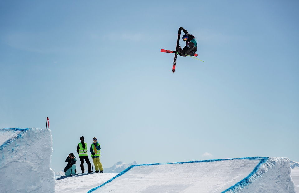 Flying high over LAAX.
