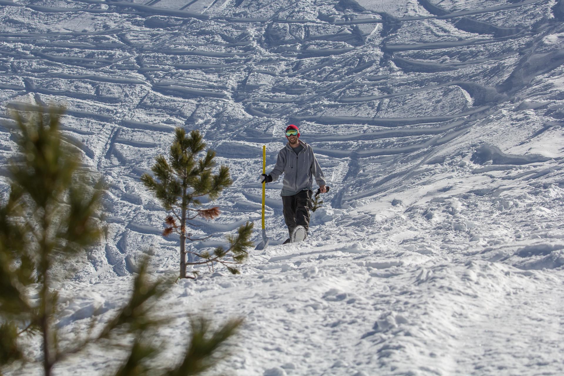 Egal ob Snowboarder oder Skifahrer, alle haben zusammen gebaut und Spaß gehabt.