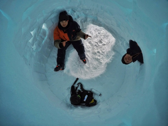 POW - In A Hole!