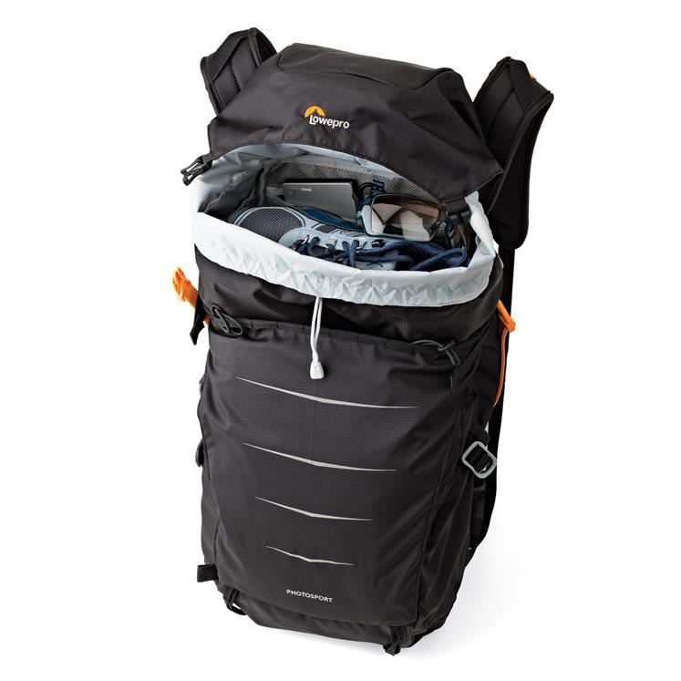 In den Lowpro Rucksack passt noch jede Menge Stuff neben deinem Foto-Equipment. Perfekt für den Berg-Alltag!