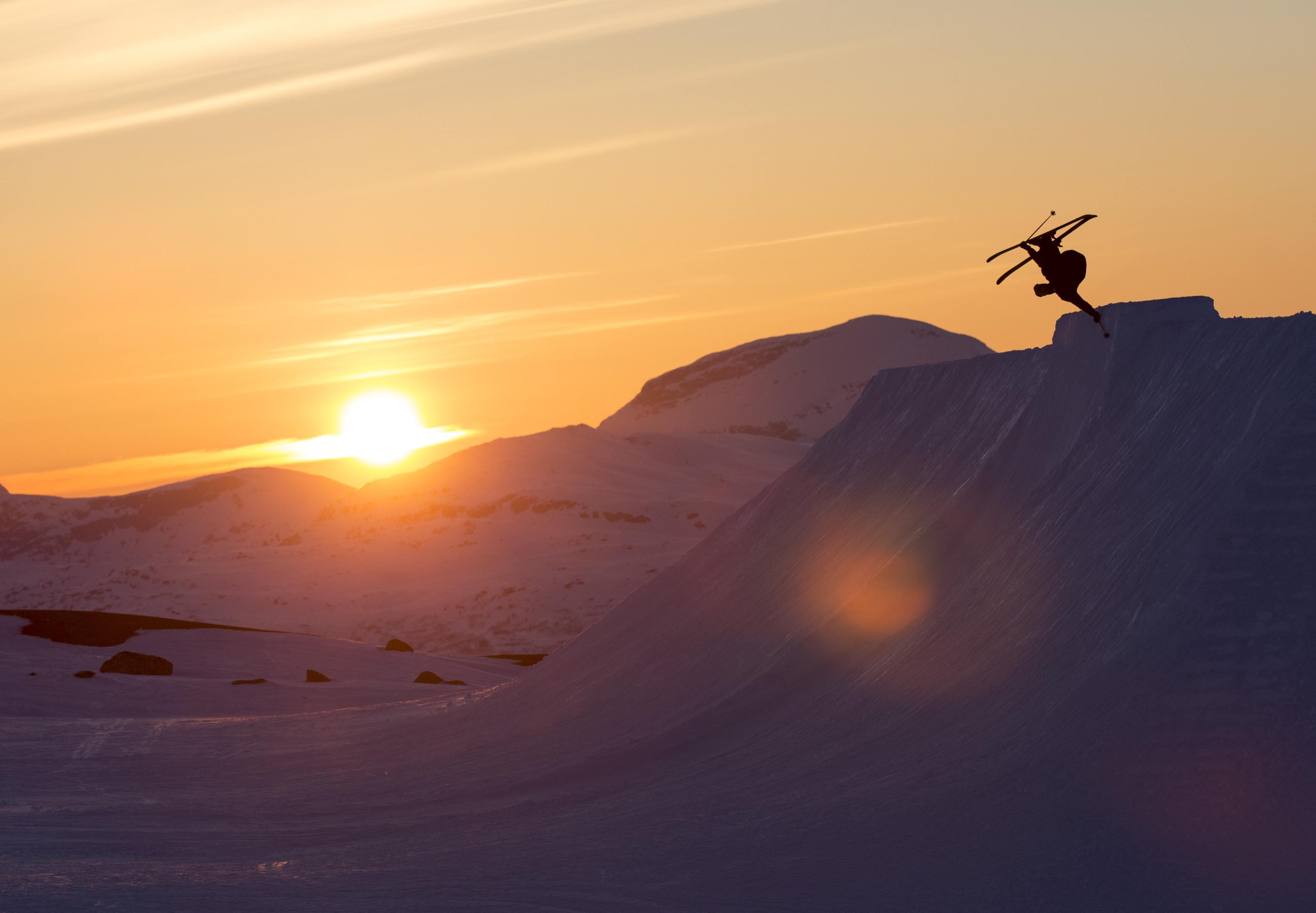 Auch dafür steht das Riksgränsen Ski Resort - schwedischer Sunset at its best!