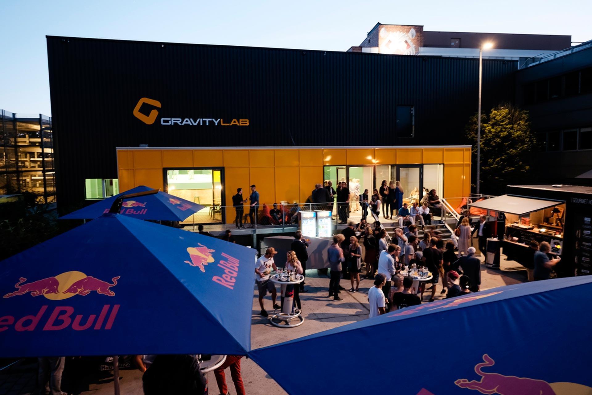Sieht nicht nur von innen schick aus. Das GravityLab bietet alles, was das Freestyle Herz begehrt.