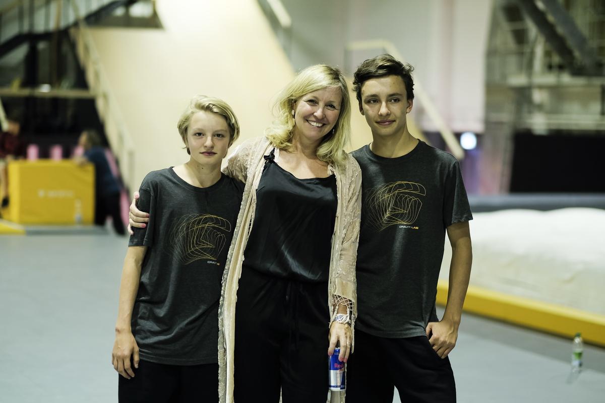 Die Gründerin Sabine Schmalschläger mit ihren beiden Söhnen Matteo und Luca.