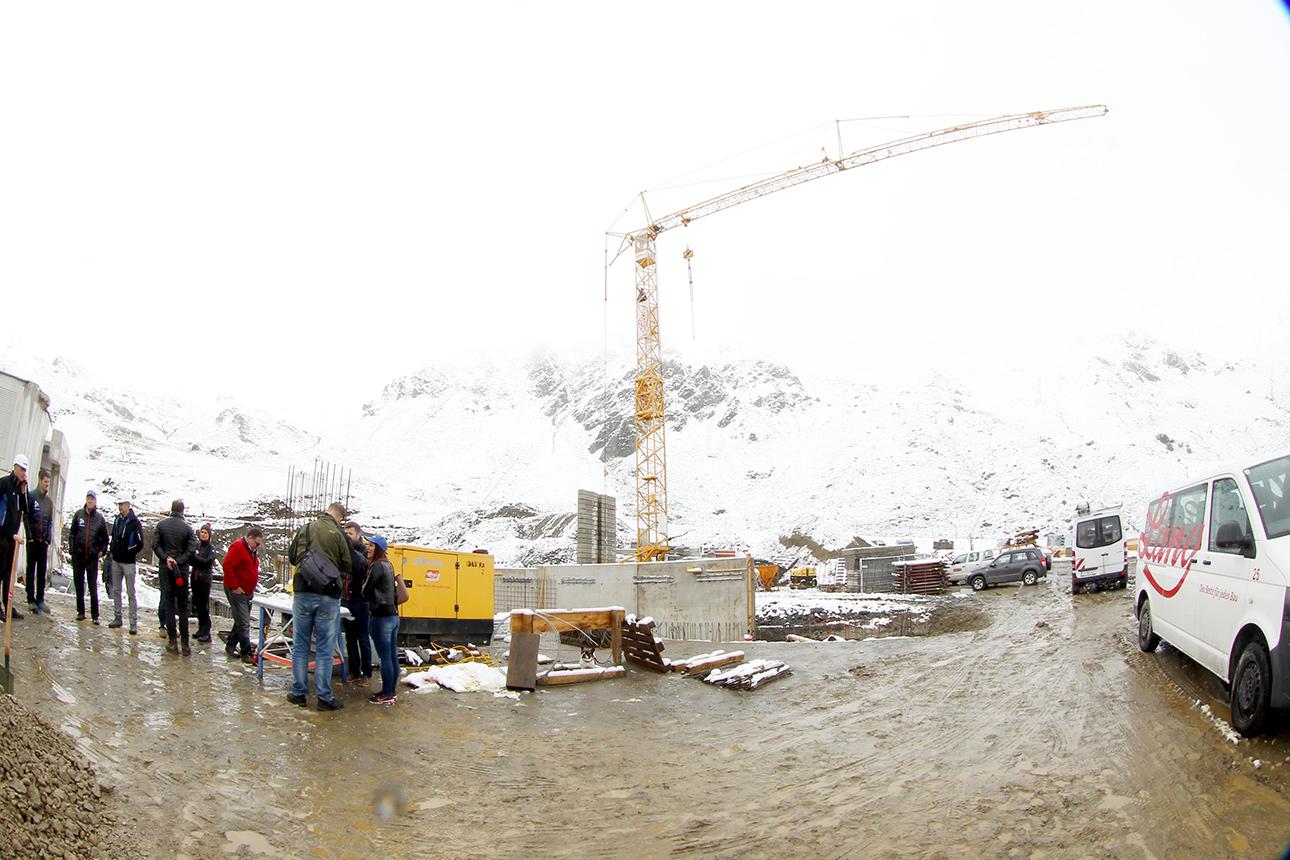 Die Baurabeiten sind schon in vollem Gange  © Hochfügen/Roman Potykanowicz