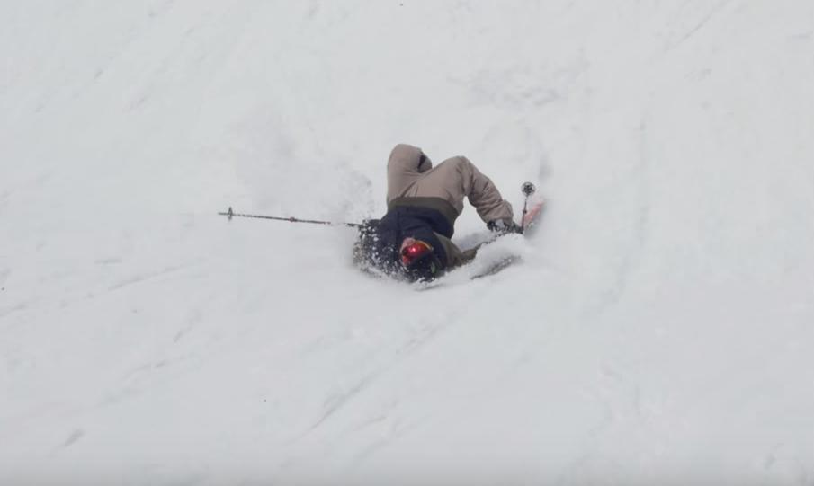 Die Skifahrer machen den Snowboardern Alles nach. Colby Stevenson hält sich an dieses Vorurteil.