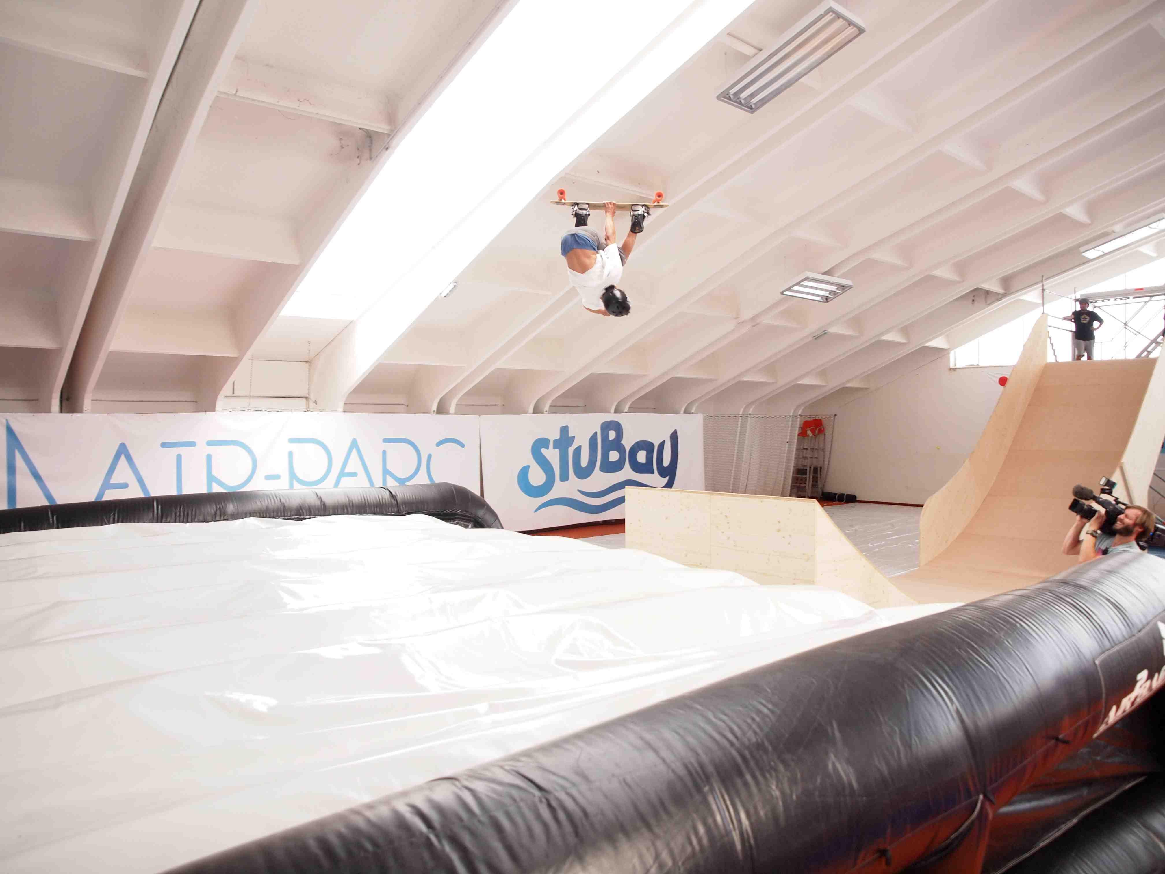 Ob mit dem Board oder den Skates, auch auf der Mini-Ramp werder ihr euren Spaß haben
