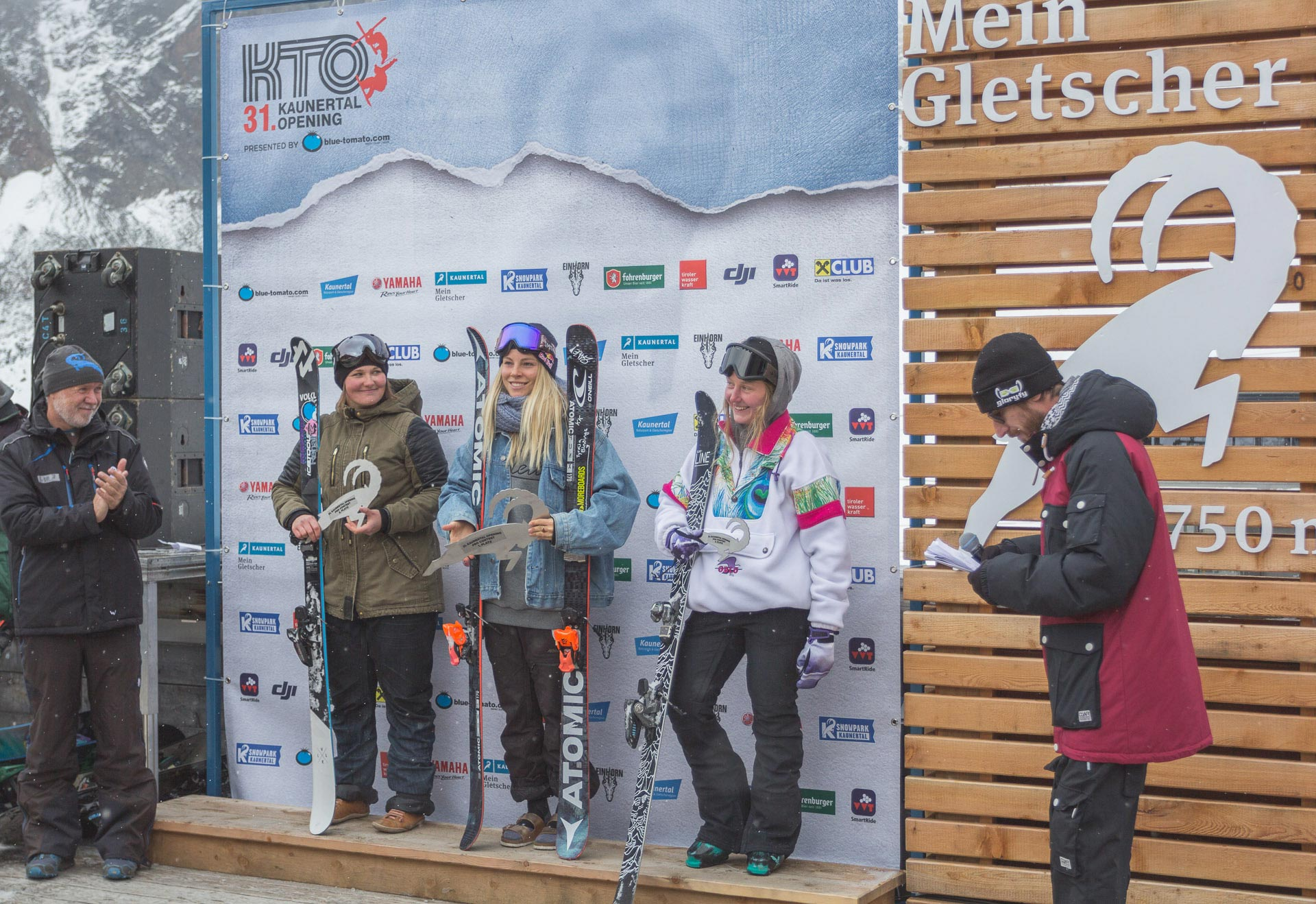 Lisi Gram, Lisa Zimmermann, Rosina Friedel (v.l.n.r.)