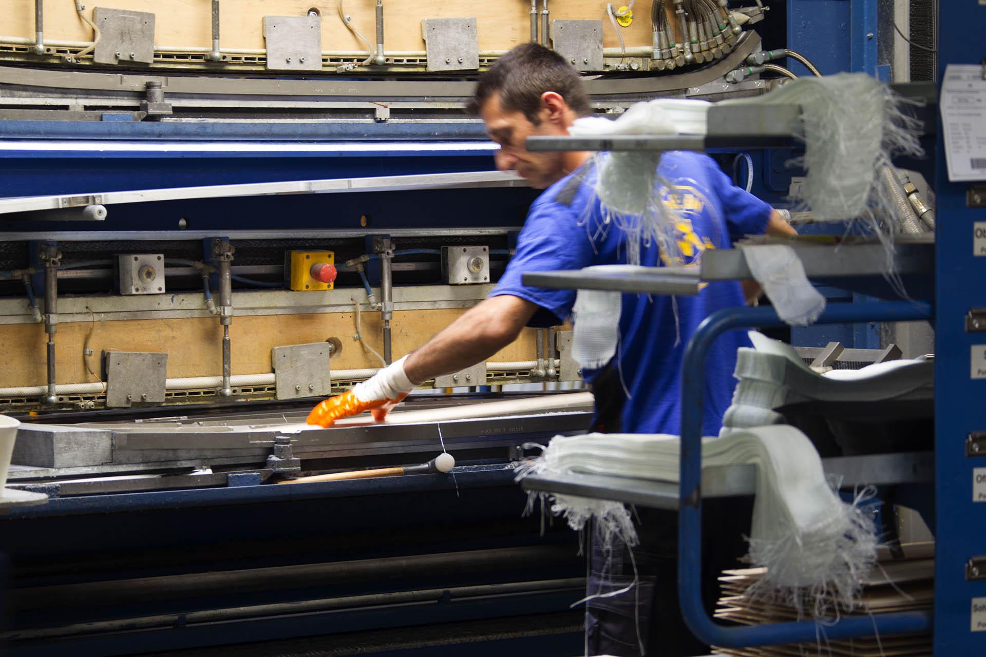Die meisten der Völkl Modelle werden in Straubing hergestellt - in Handarbeit!