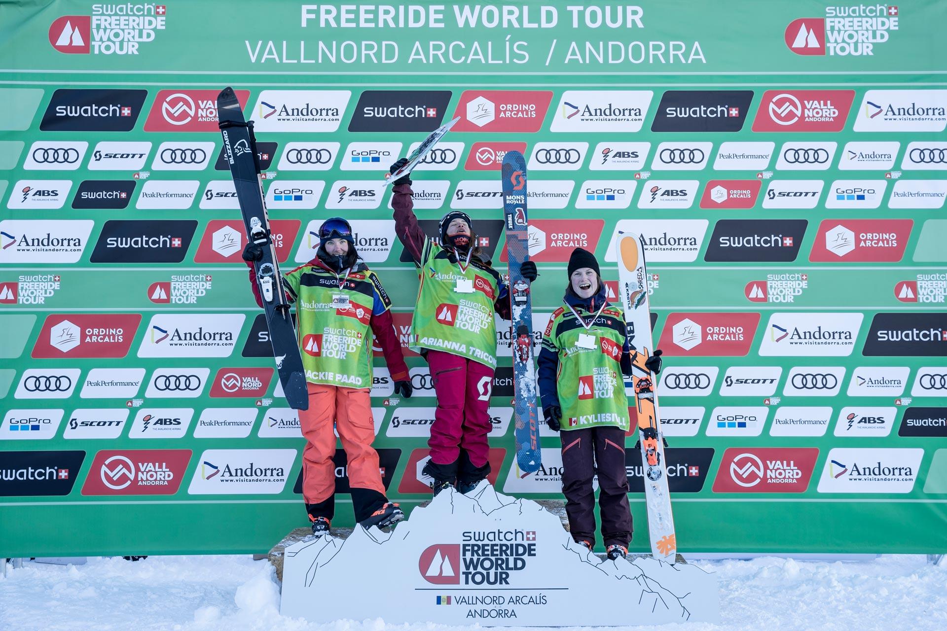 Die Top 3 Frauen beim Freeride World Tour Stopp in Vallnord-Arcalis: Kylie Sivell, Arianna Tricomi und Jaclyn Paaso