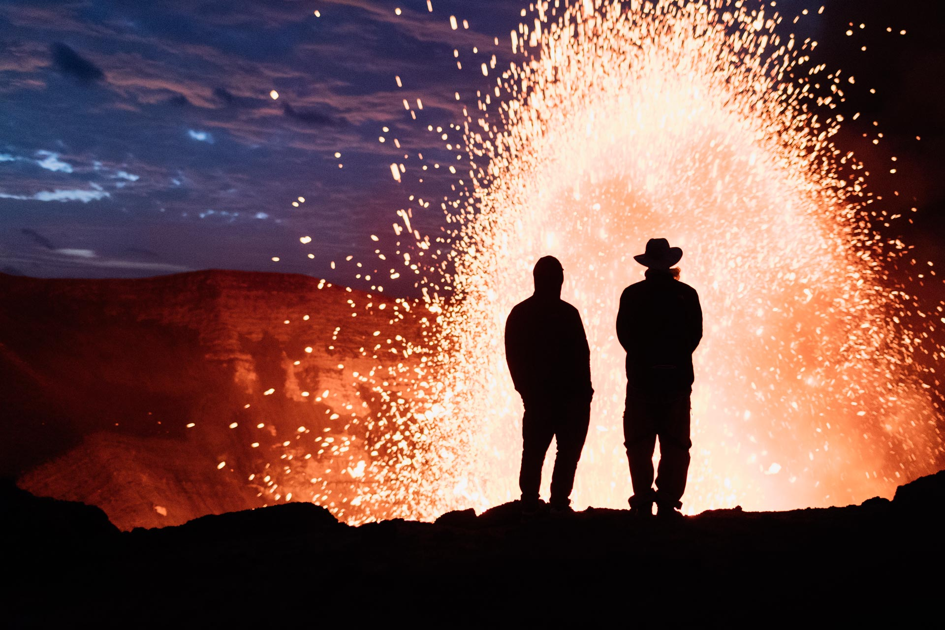 Skifahren am Rande eines Vulkans – Video und Fotogalerie mit Sam Smoothy