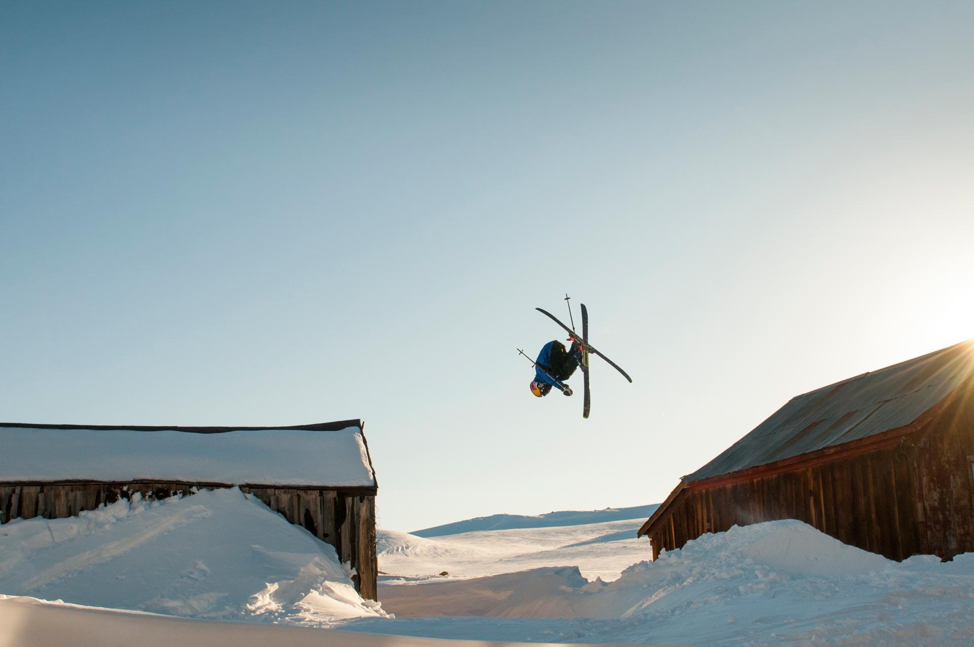 Freeskier Cody LaPlante shreddet Geisterstadt in Kalifornien - Foto: Red Bull Content Pool