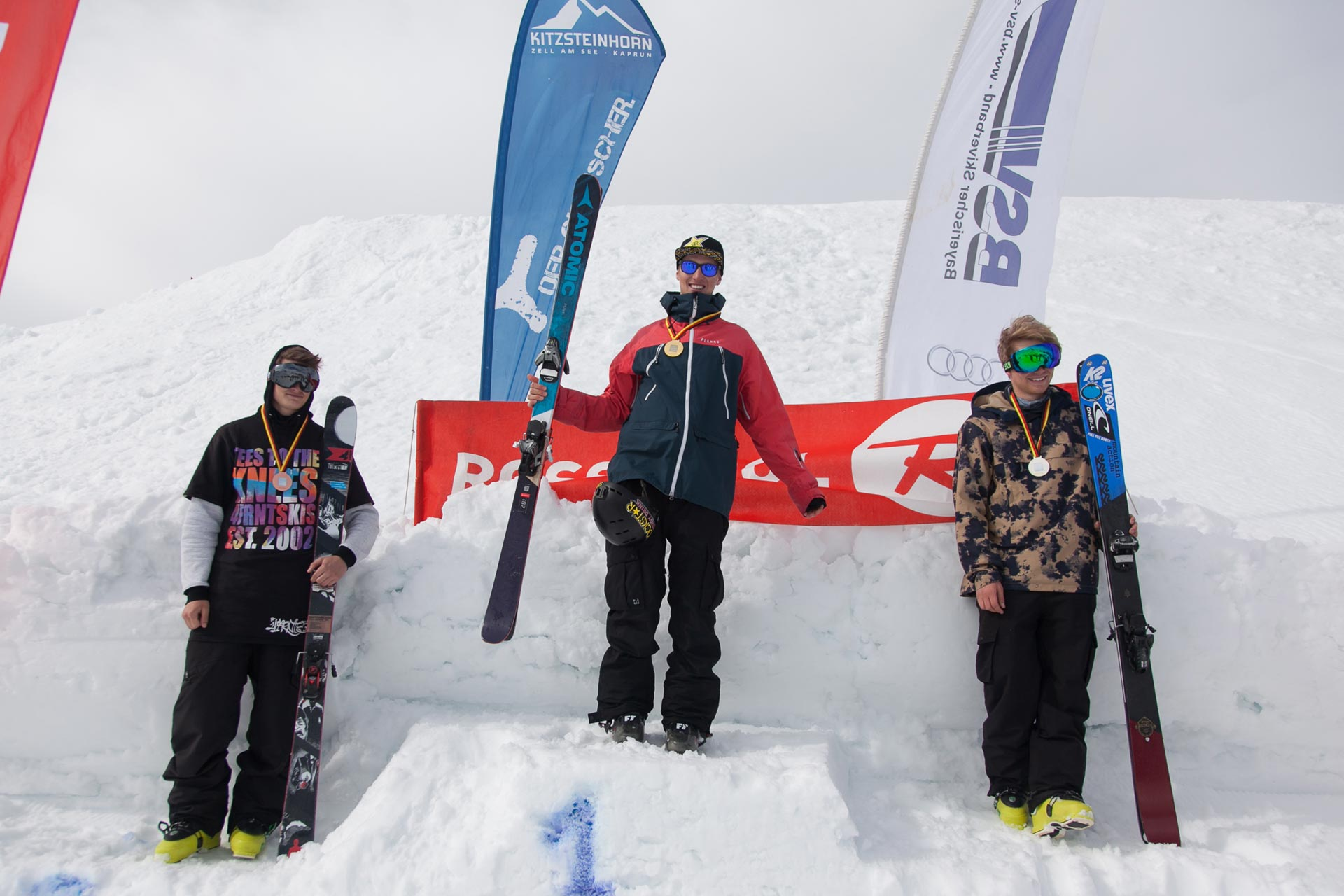 Flo Preiss ist der neue deutsche Meister im Big Air. Der zweite Platz geht an Tobi Müller und der dritte an Rang an Leo Beck.