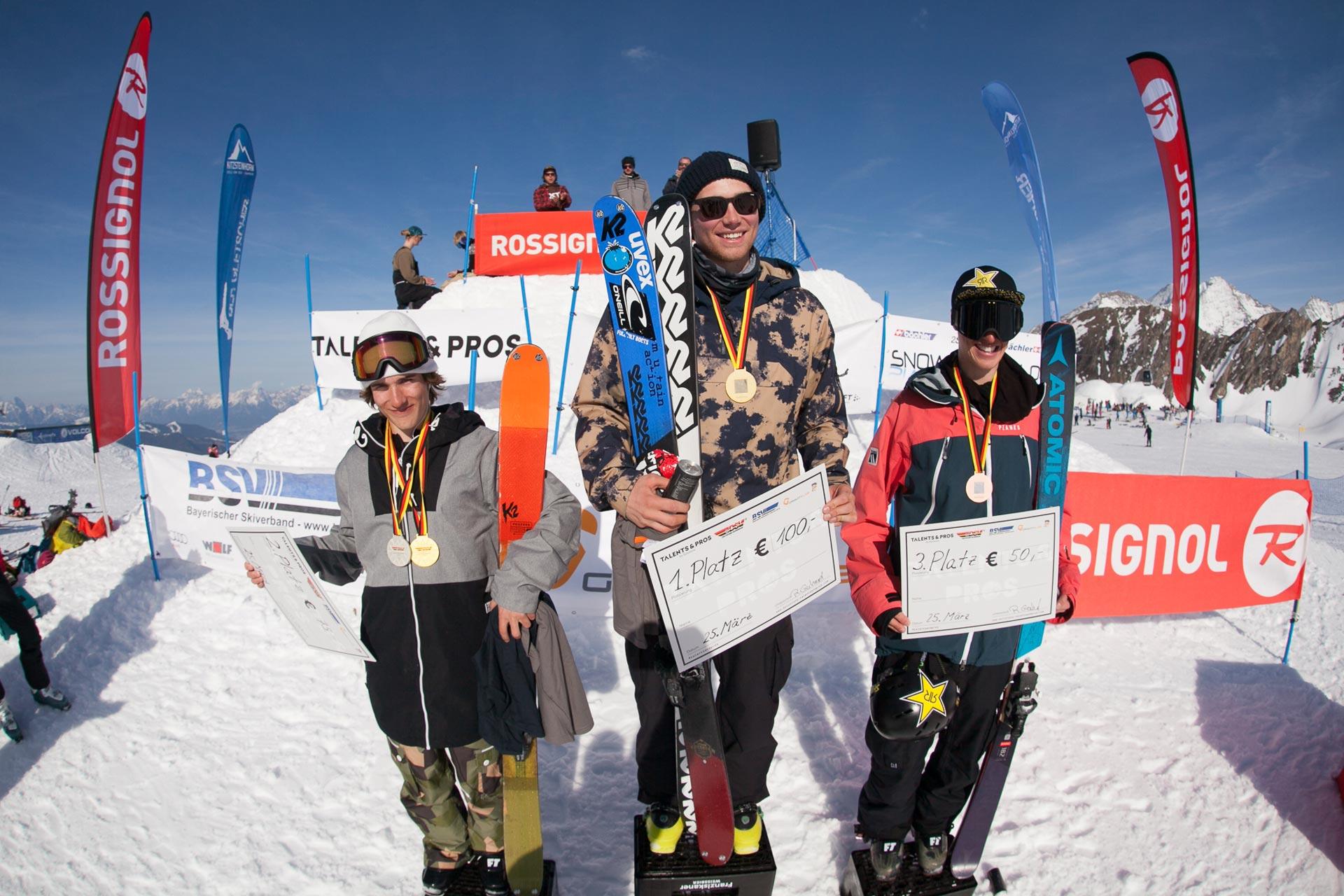 Die drei besten Slopestyle bei der Deutschen Meisterschaft am Kitzsteinhorn: Lukas Schlickenrieder, Tobi Müller und Flo Preuss (v.l.n.r.)