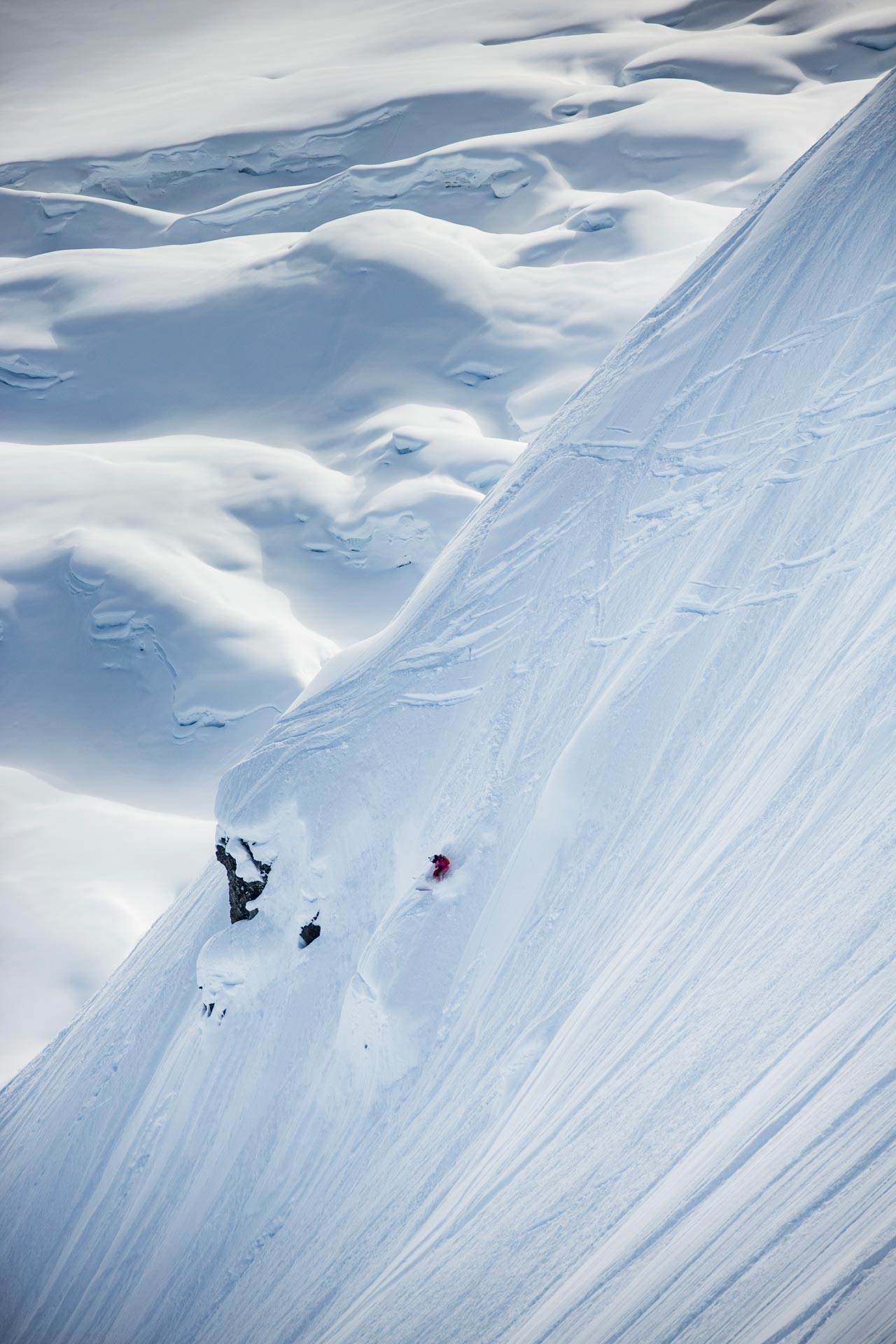 Nach langer Wartezeit herrschten am Contesttag dann endlich die erhofften traumhaften Bedingungen in Alaska - Foto: D. Daher / freerideworldtour.com