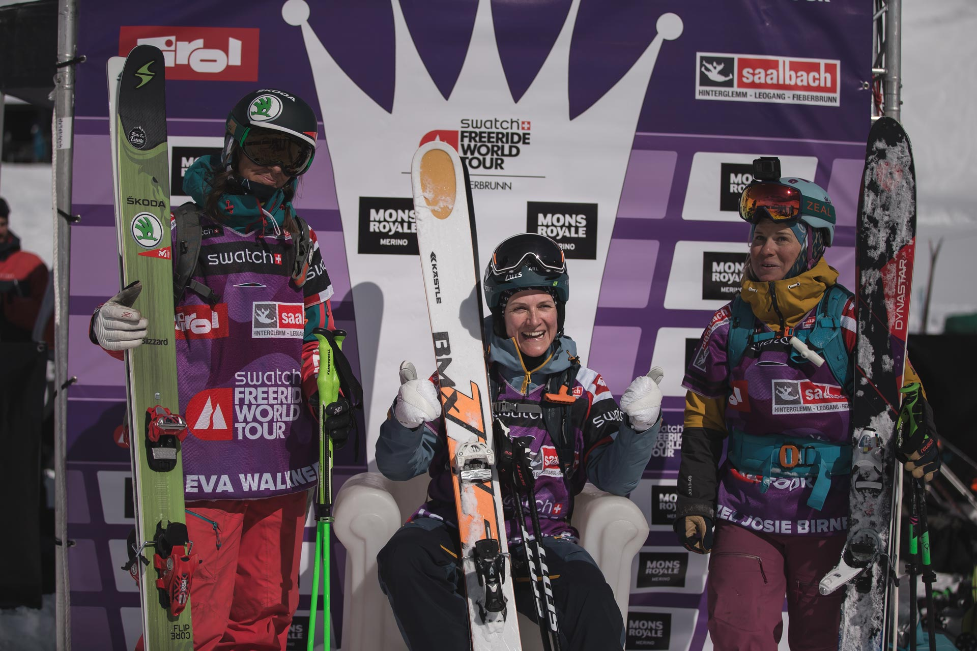 Die Top 3 Frauen beim Freeride World Tour Stopp in Fieberbrunn 2017: Eva Walkner, Lorraine Huber und Hazel Birnbaum - Foto: freerideworldtour.com / Mia Knoll