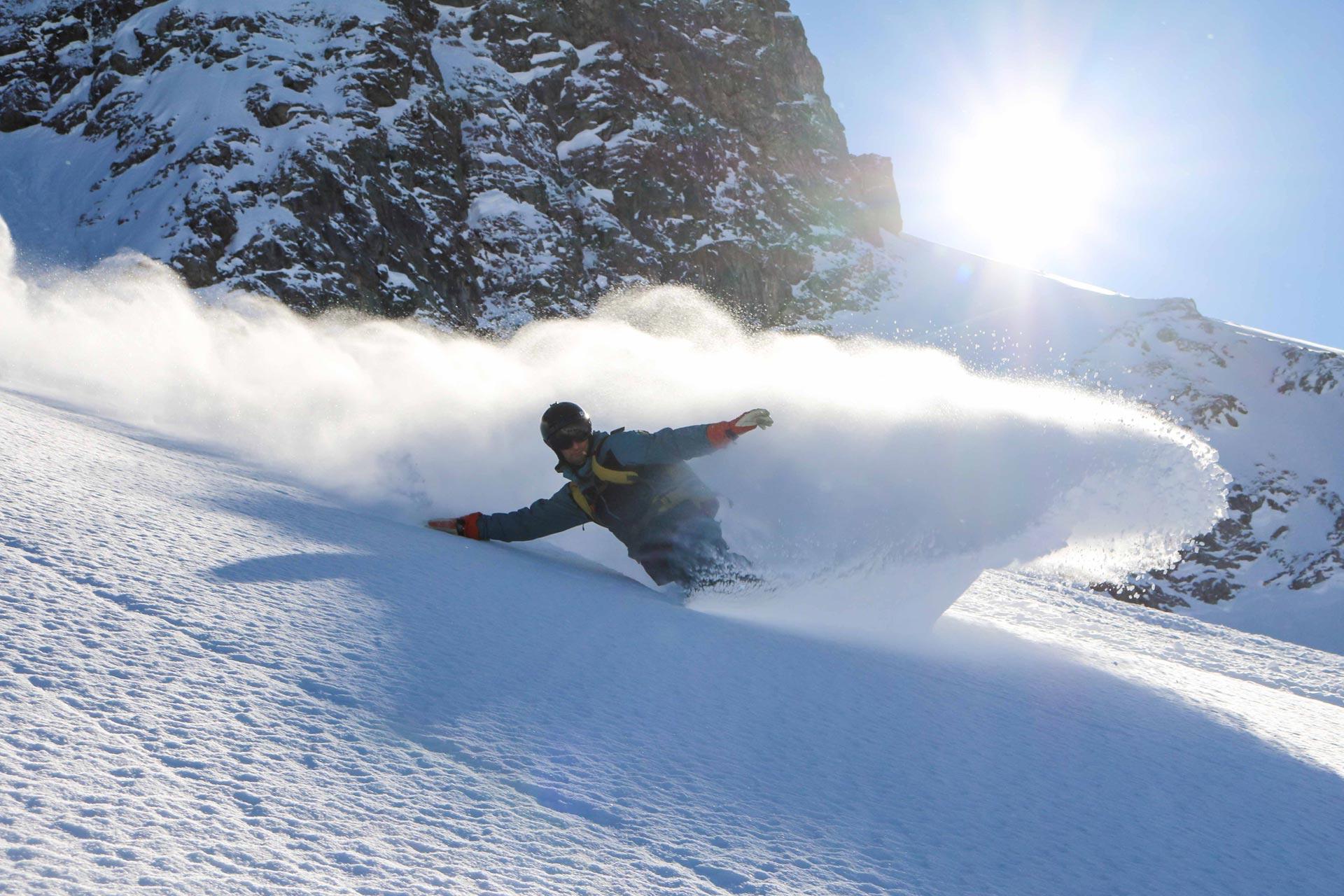 Die Camps richten sich an Skifahrer und Snowboarder, ihr könnt also auch zusammen mit euren Freunden gehen, die ein anderen Brett unter den Füßen bevorzugen - Foto: Sandro Luca Thiele