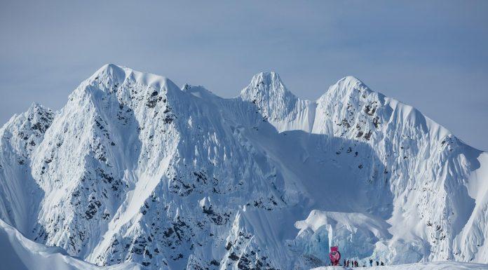 Preview: Traumstopp in Alaska - Freeride World Tour - Foto: freerideworldtour.com / J. Bernard