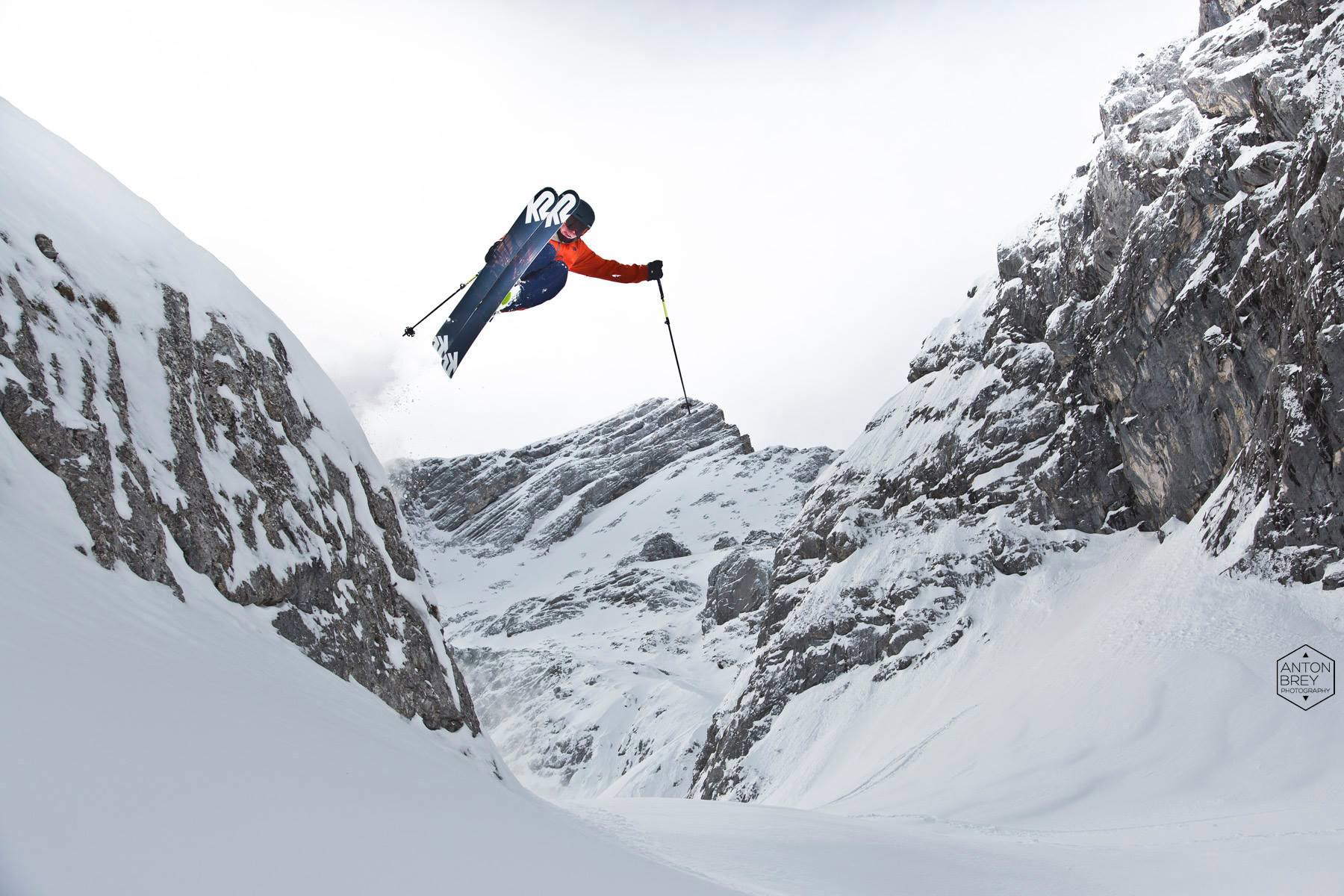 Lucas Mangold Season Edit 16/17 – Skiing with Friends