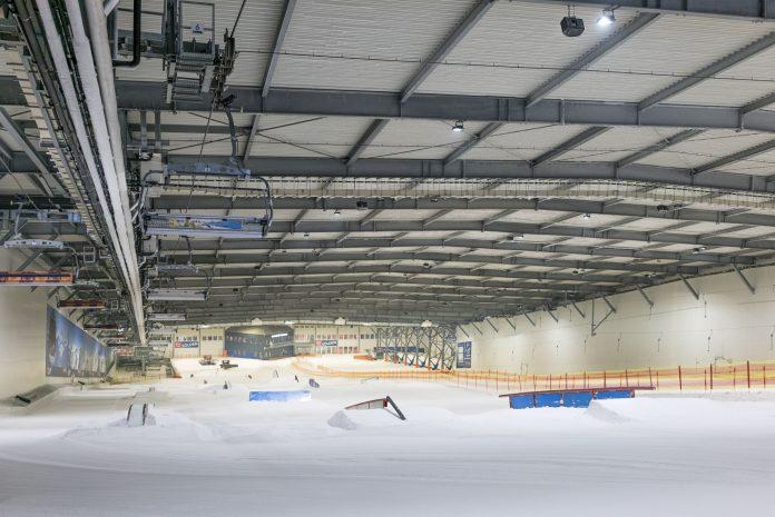 Das größte Indoor Setup des Sommers im Überblick - Snowpark Bispingen