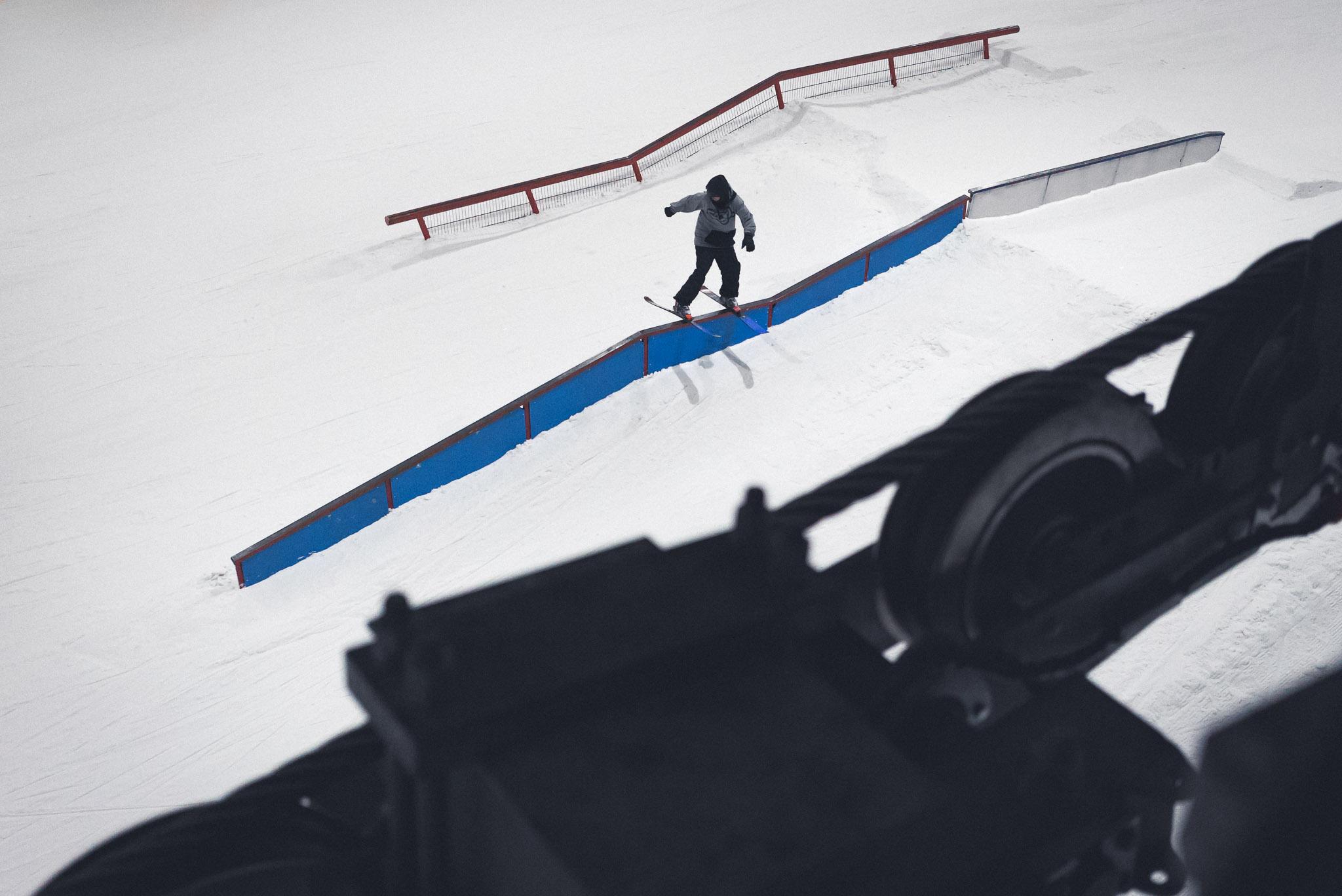 Eines der vielen Highlights im Snowpark Bispingen: Das Flat-Down-Flat-Down Rail - Rider: Torge Nagel