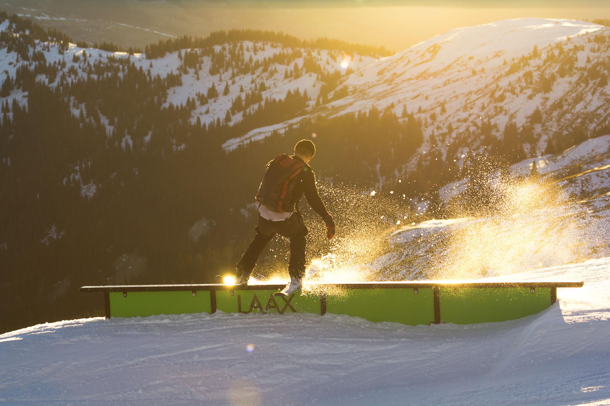 Sunset Railslide mit Ole Pavel im Snowpark LAAX, Dezember 2016