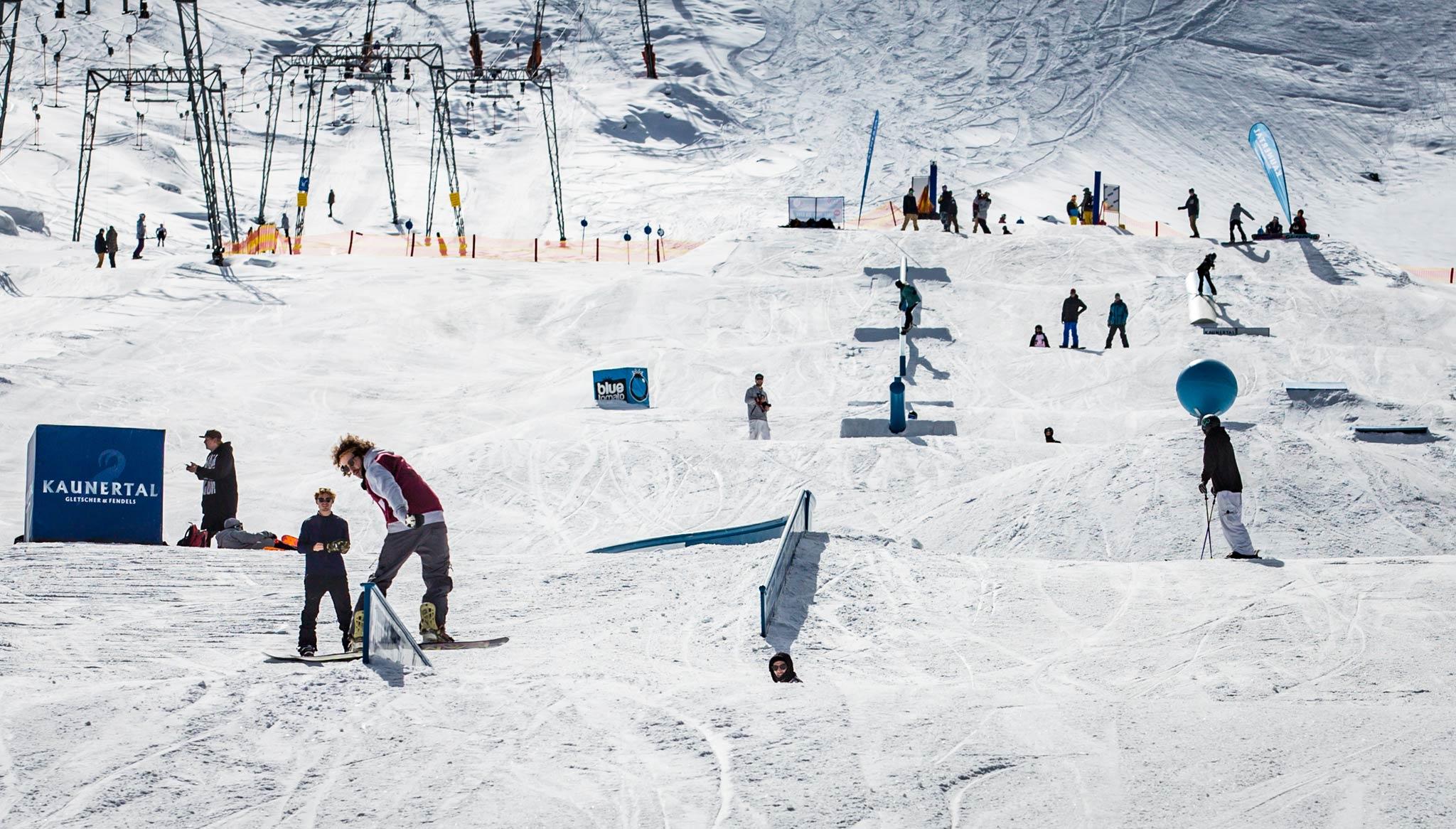Auch 2017 soll es zum Opening wieder eine fette Jib-Line im Kaunertal geben - vorausgesetzt es gibt genug Schnee.