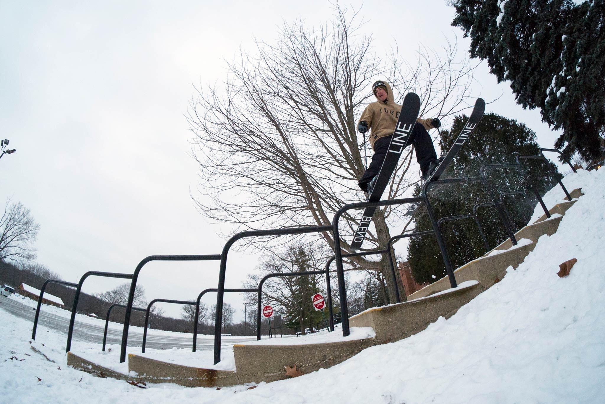 """In """"Habit"""" verbaut Level 1 die Shots von insgesamt 3 X Games Real Ski Edits - Rider: Will Wesson - Foto: Jonny Durst"""