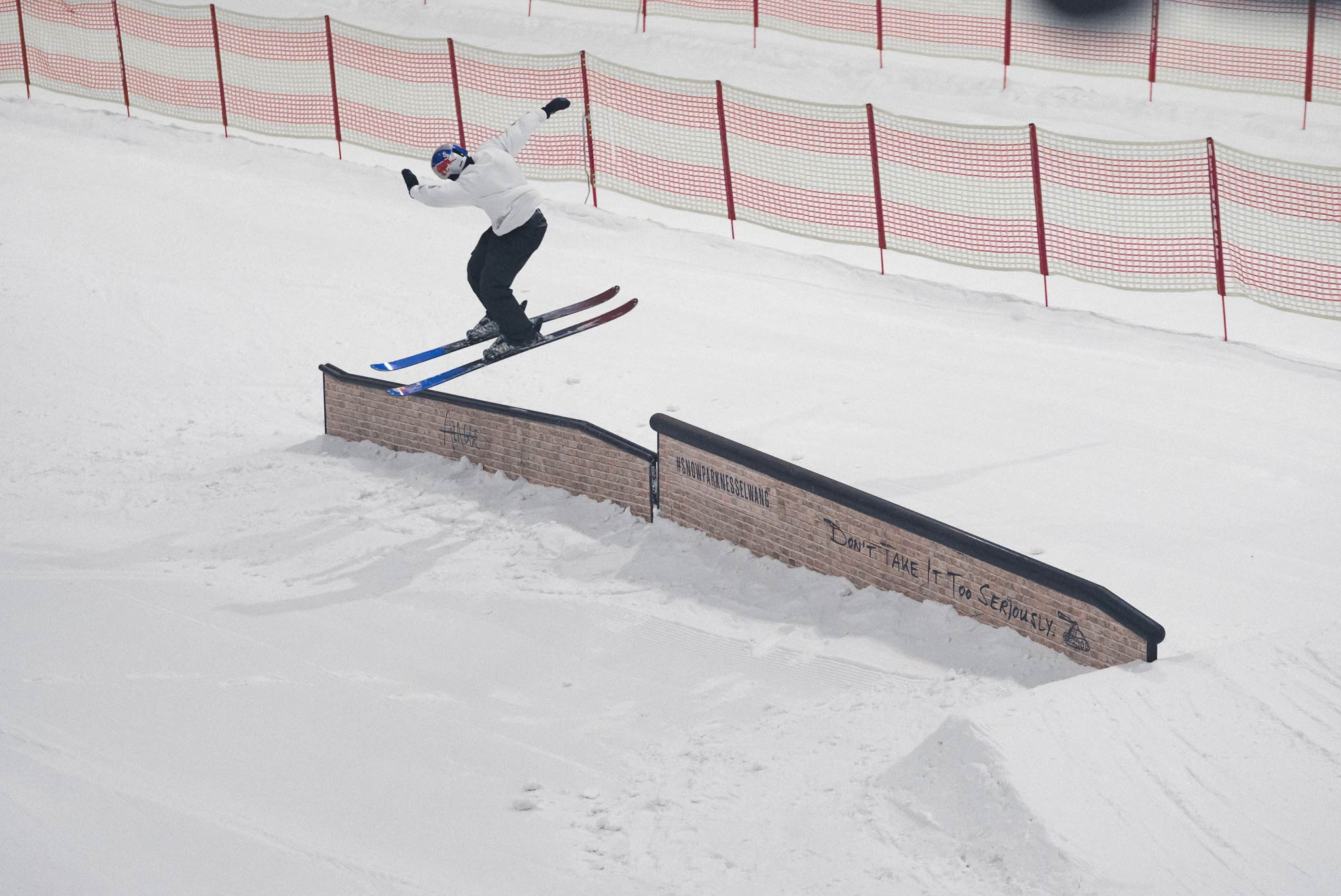 Neben vielen Beginnern sowie Core Ridern kommen auch immer mehr Nationalteams in den Snowpark Bispingen - Rider: Kai Mahler (Swiss Freeski)