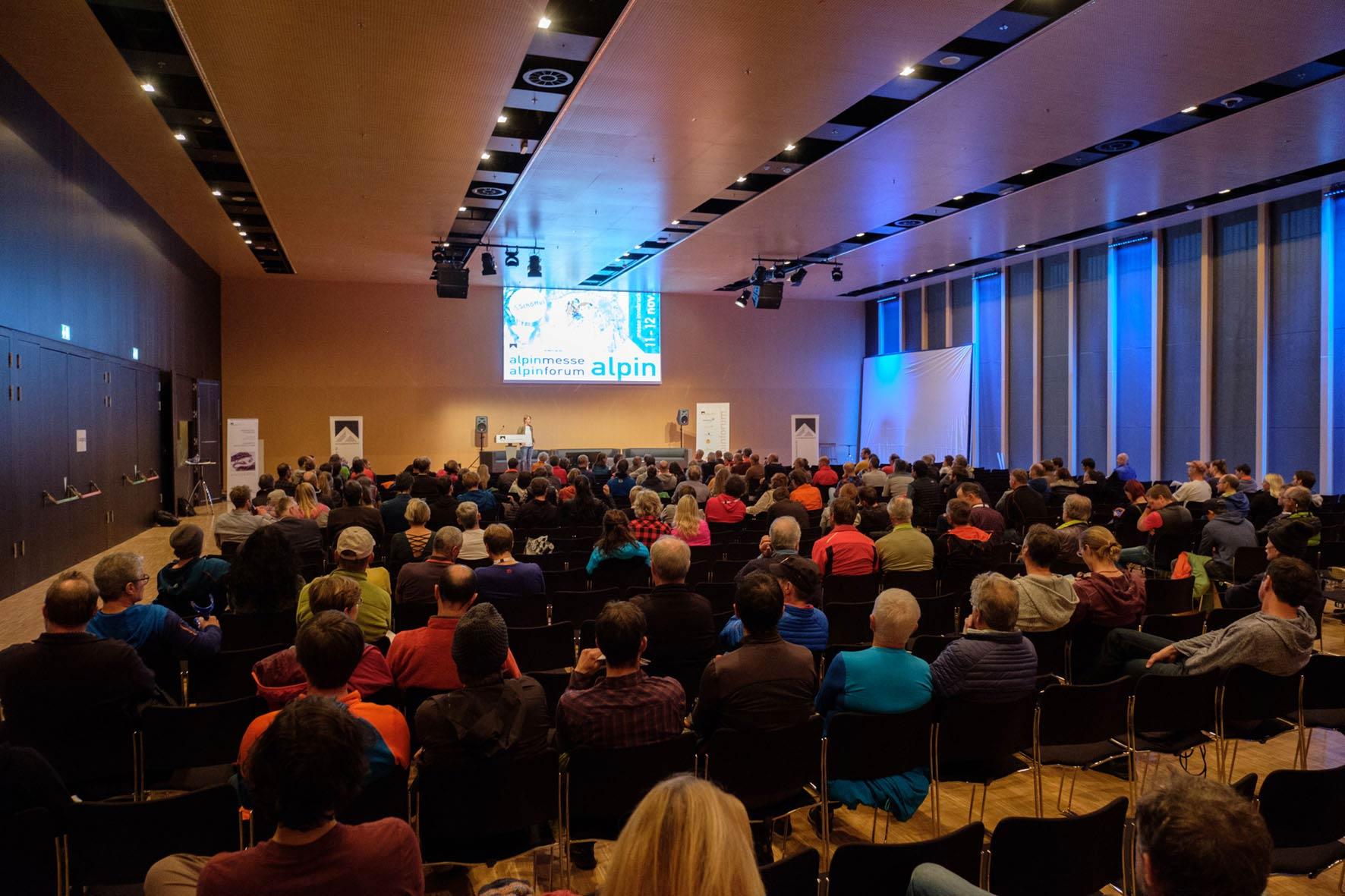 Insgesamt 19 kostenlosen Workshops wurden auf der Alpinmesse Innsbruck 2017 von Profis zu diversen bergsportlichen Themen angeboten.