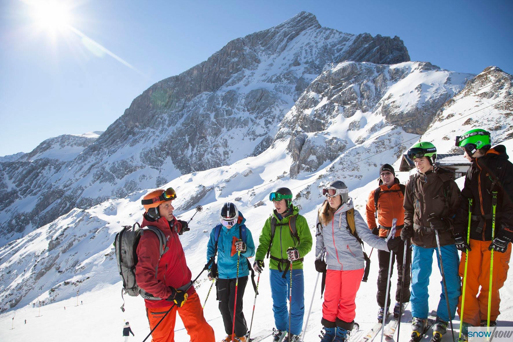 Die kostenlosen Lawinenkurse in Obergurgl sowie an der Zugspitze markieren den Start der SnowHow Workshops für den Winter 17/18 - Foto: Klaus Kranebitter