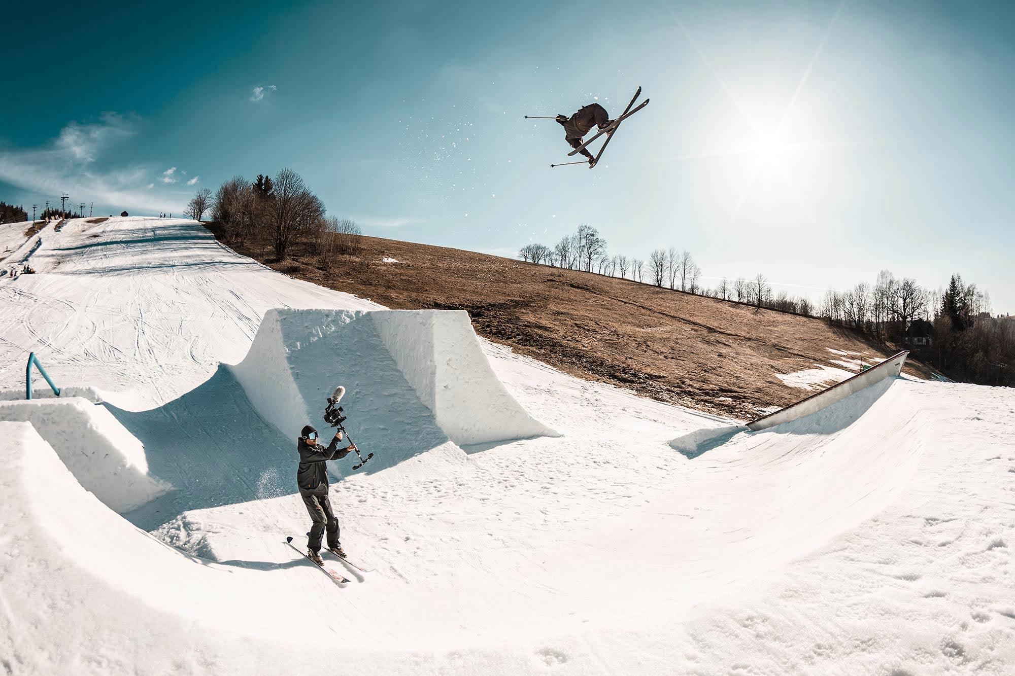 """Alex Hall beim Shooten für """"This is Home"""" - Foto: Erik Tomasak"""