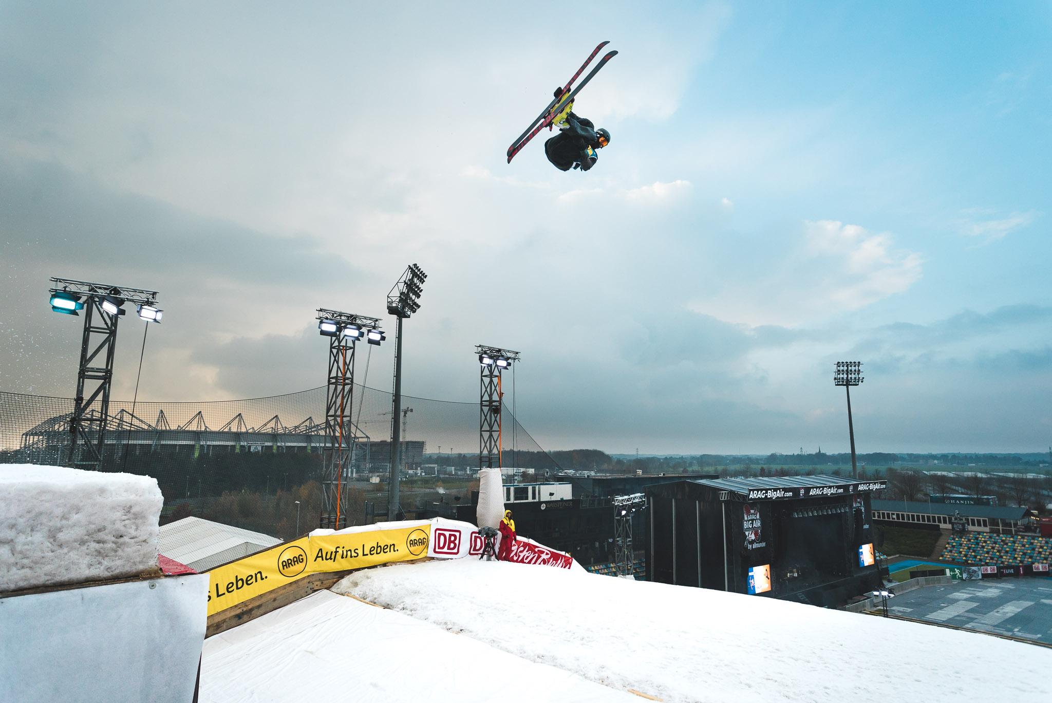 Der Big Air Contest in Mönchengladbach war für einige junge deutsche Nachwuchsrider eine gute Chance, um erste Weltcup Erfahrung zu sammeln - Rider: Leo Beck