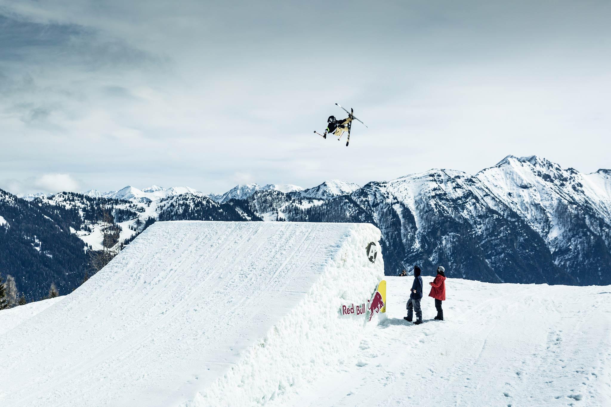 Für die Freeskier steht ein Preisgeld von insgesamt 65.000 Dollar zur Verfügung - Foto: Rohrbacher / Absolut Park