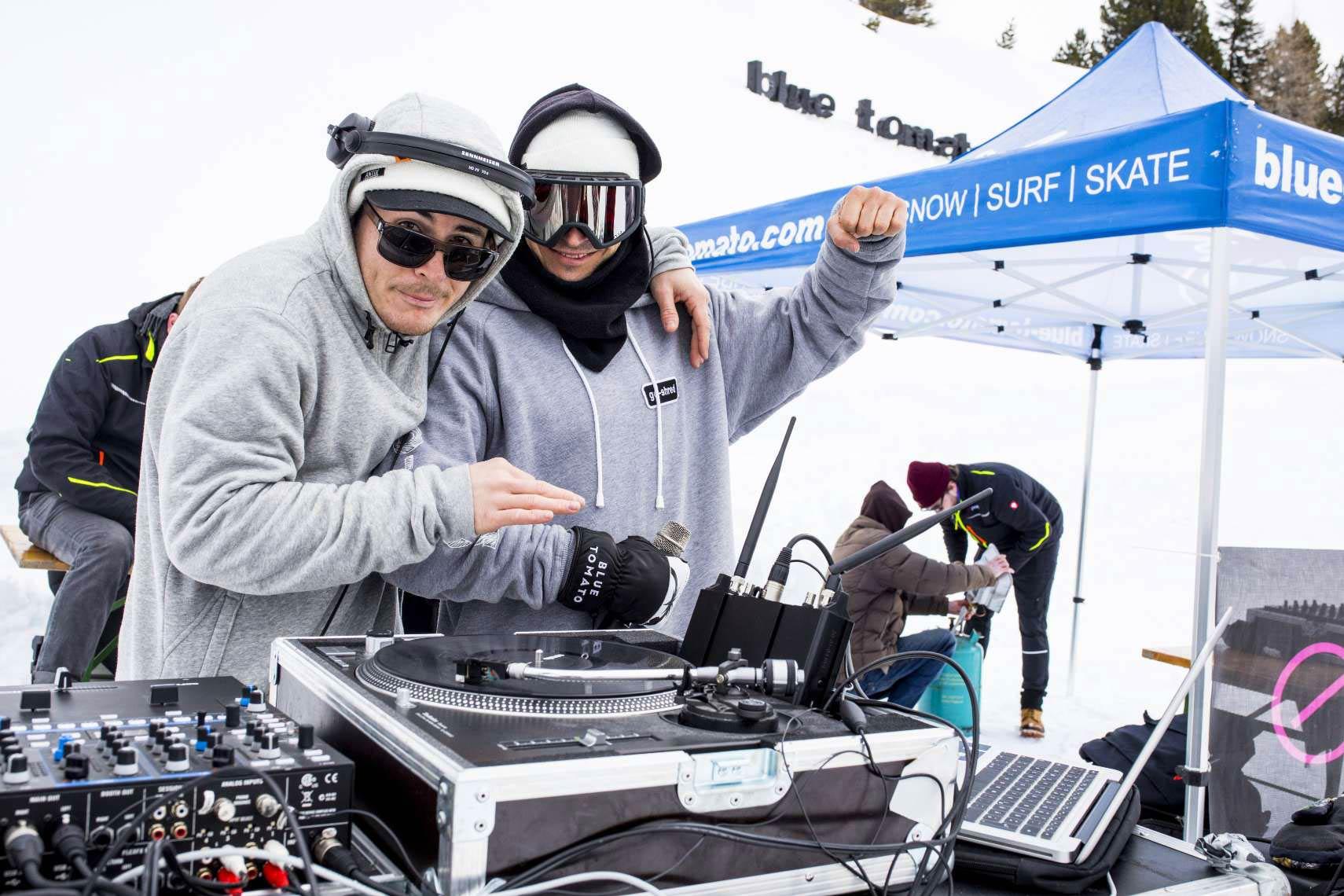 Good vibes Pt. 3 - DJ Kidd Salute aka Boozy (links) und Speaker Martin Winchenbach (Go-Shred) - Foto: Patrick Steiner