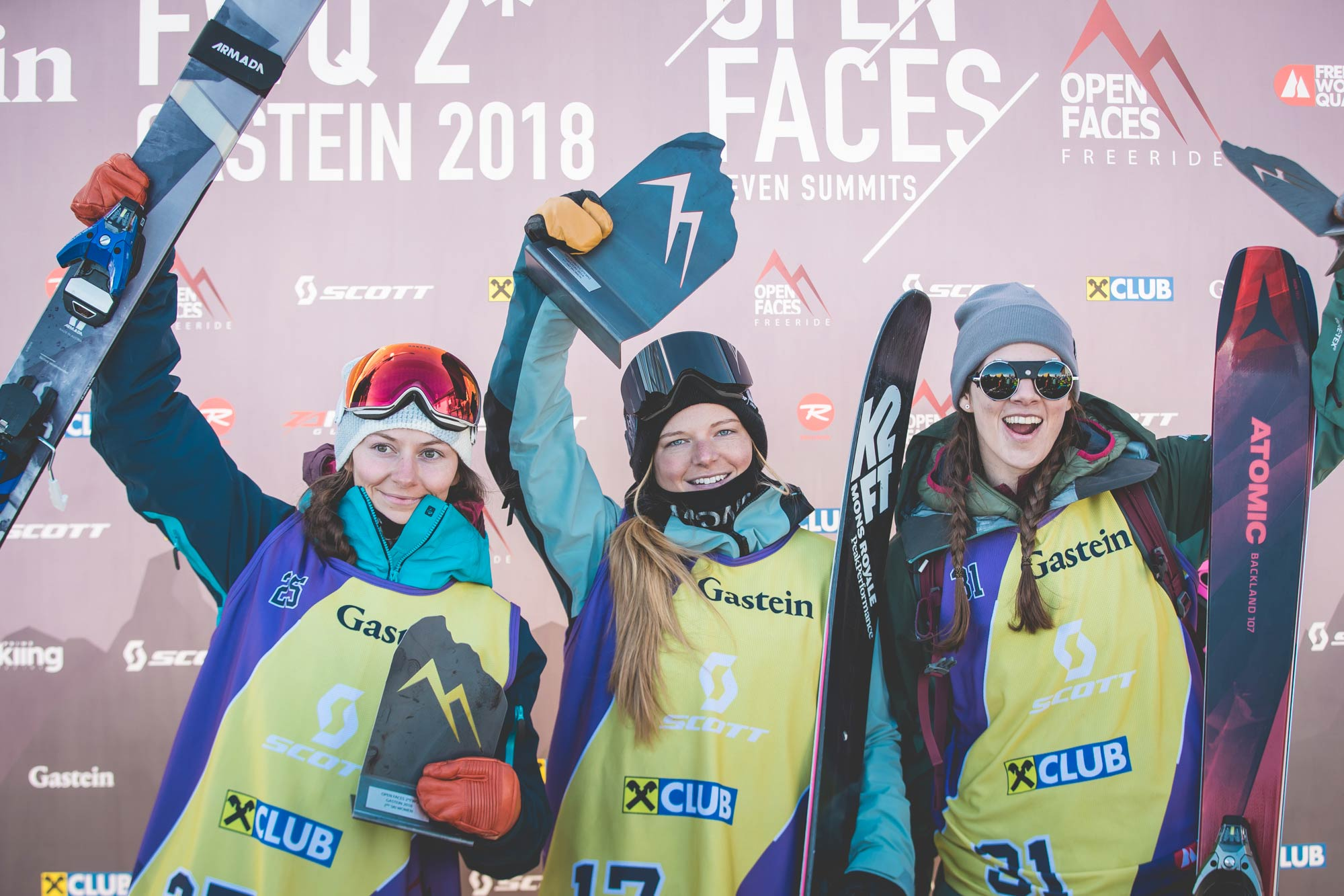 Die Top drei Frauen beim Open Faces Freeride Contest in Gastein (2018): Malene Madsen, Birgit Ertl und Jacoba Kriechmayr - Foto: Open Faces / M. Knoll