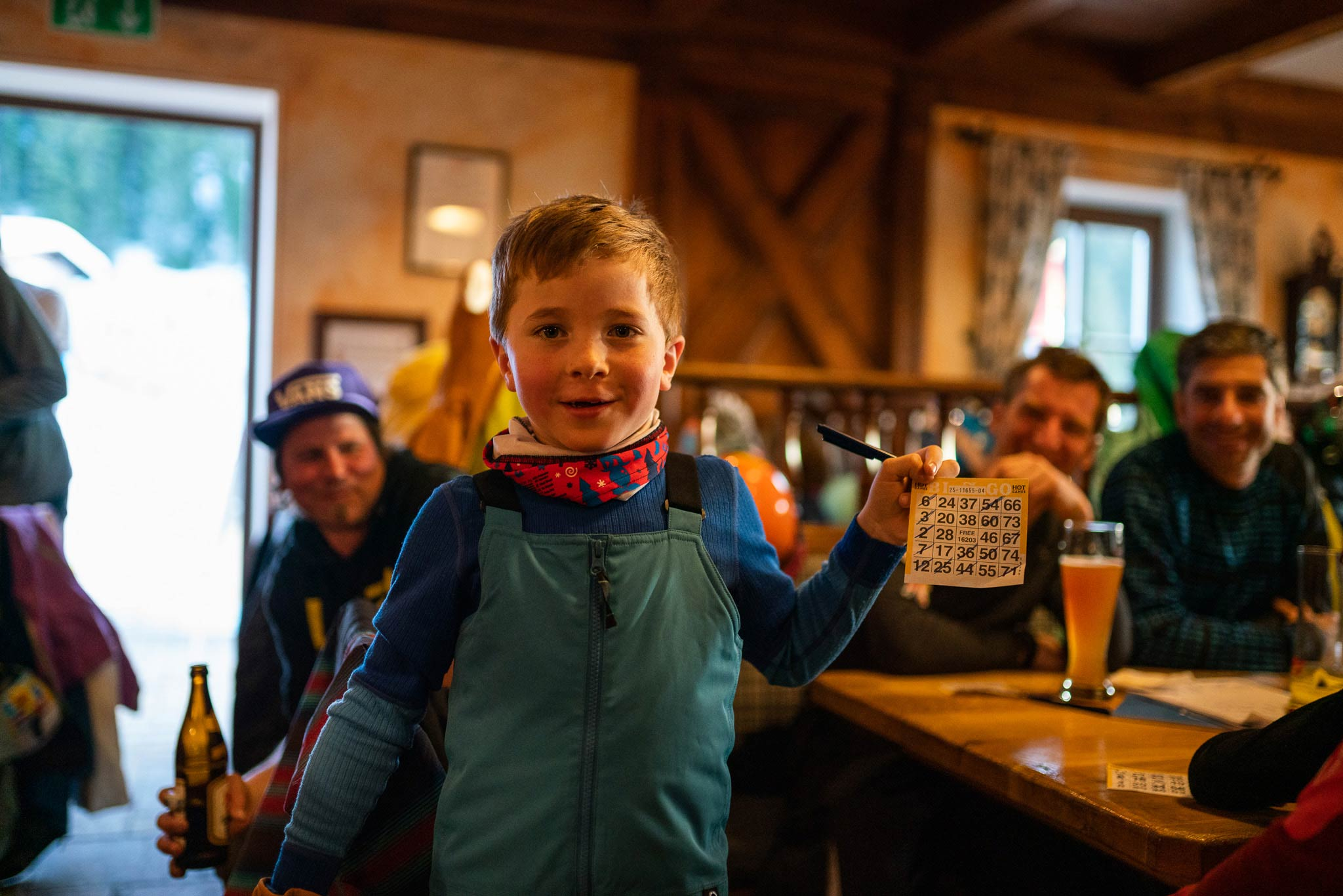Beim Kinder Bingo gab es zahlreiche Sachpreise zu gewinnen - Foto: Gert Perauer