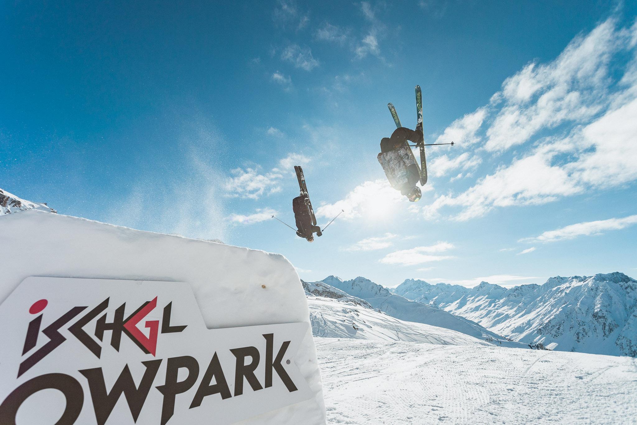 For the boys. Die Easy Kicker Line ist perfekt für erste Versuche und bietet trotzdem genug Airtime für Flips. - Rider: Ole Pavel & Lukas Schlickenrieder
