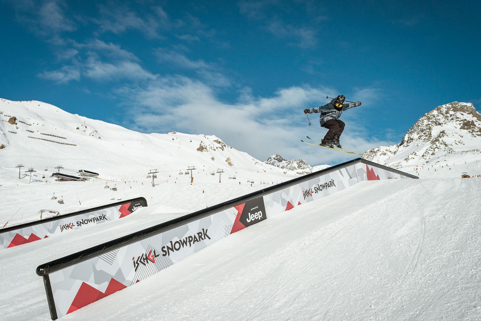 Auch für Profis nicht immer so einfach: Das überdurchschnittlich lange Flat Down Rail - Rider: Lukas Schlickenrieder