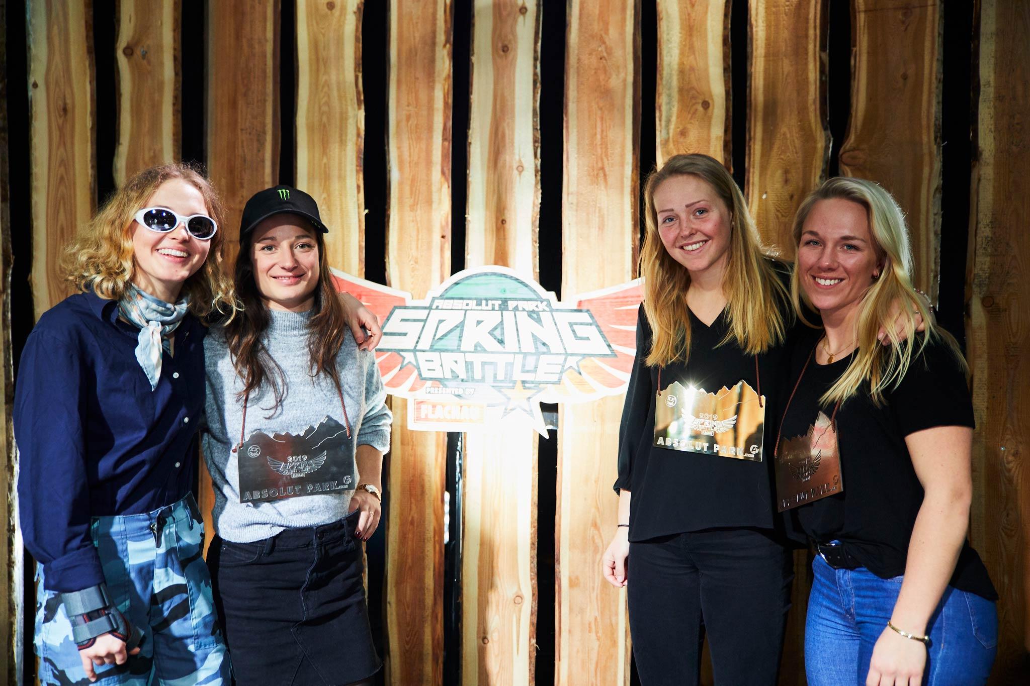 Die vier besten Frauen: Margaux Hackett (4.), Sarah Hoefflin (2.), Johanne Killi (1.) & Sandra Eie (3.) - Foto: Sophie Kirchner