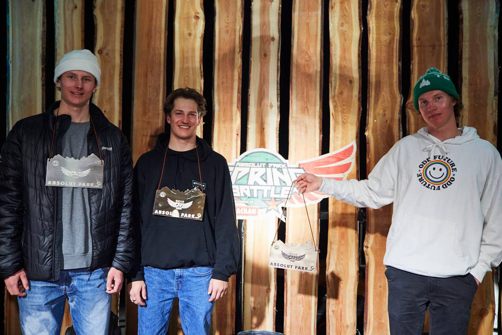 Die vier besten Männer: Oliwer Magnusson (2.), Colin Willi (1.), Andri Ragettli (3.) (nicht im Bild) & Joona Kangas (4.) - Foto: Sophie Kirchner