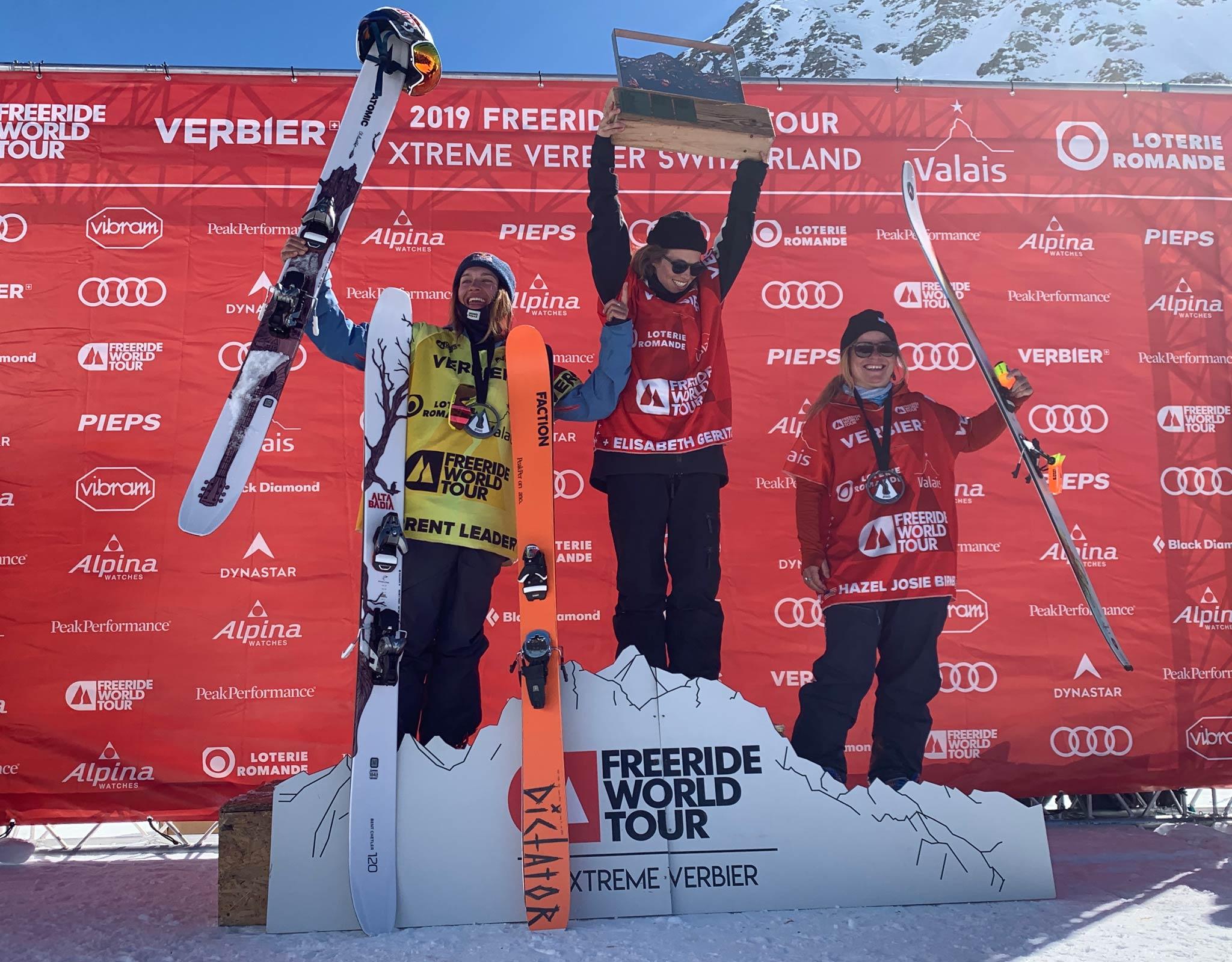 Die drei besten Frauen beim letzten Contest der Freeride World Tour 2019 in Verbier (Schweiz): Arianna Tricomi (ITA), Elisabeth Gerritzen (SUI) & Hazel Birnbaum (USA) - Foto: freerideworldtour.com