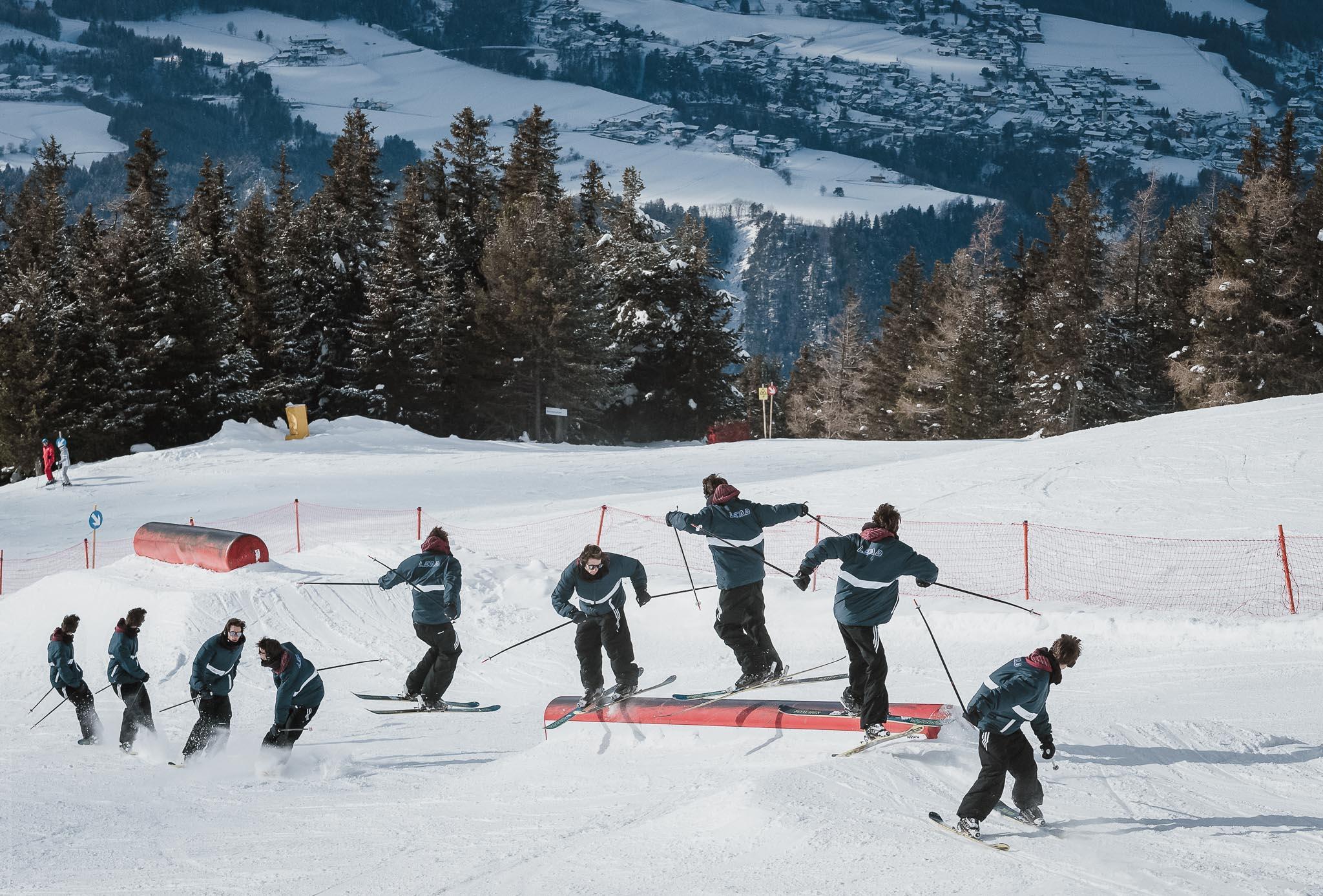 Location: Snowpark Patscherkofel - Trick: Switch Lip 2 continuing 4 - Foto: Jörg Angeli