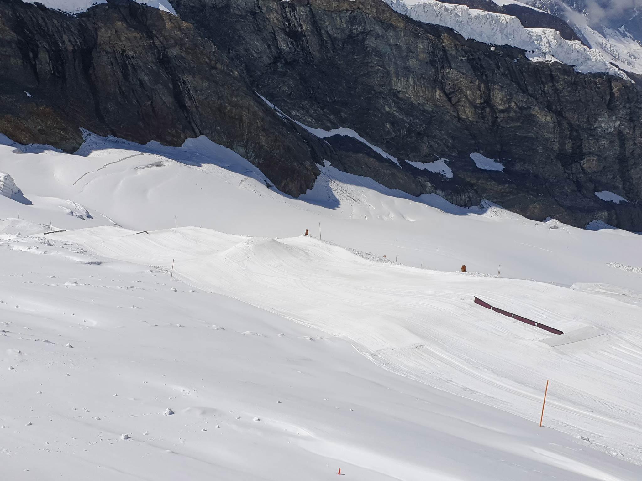 Danach folgt eine Snow Pyramid sowie zwei weitere Rails.