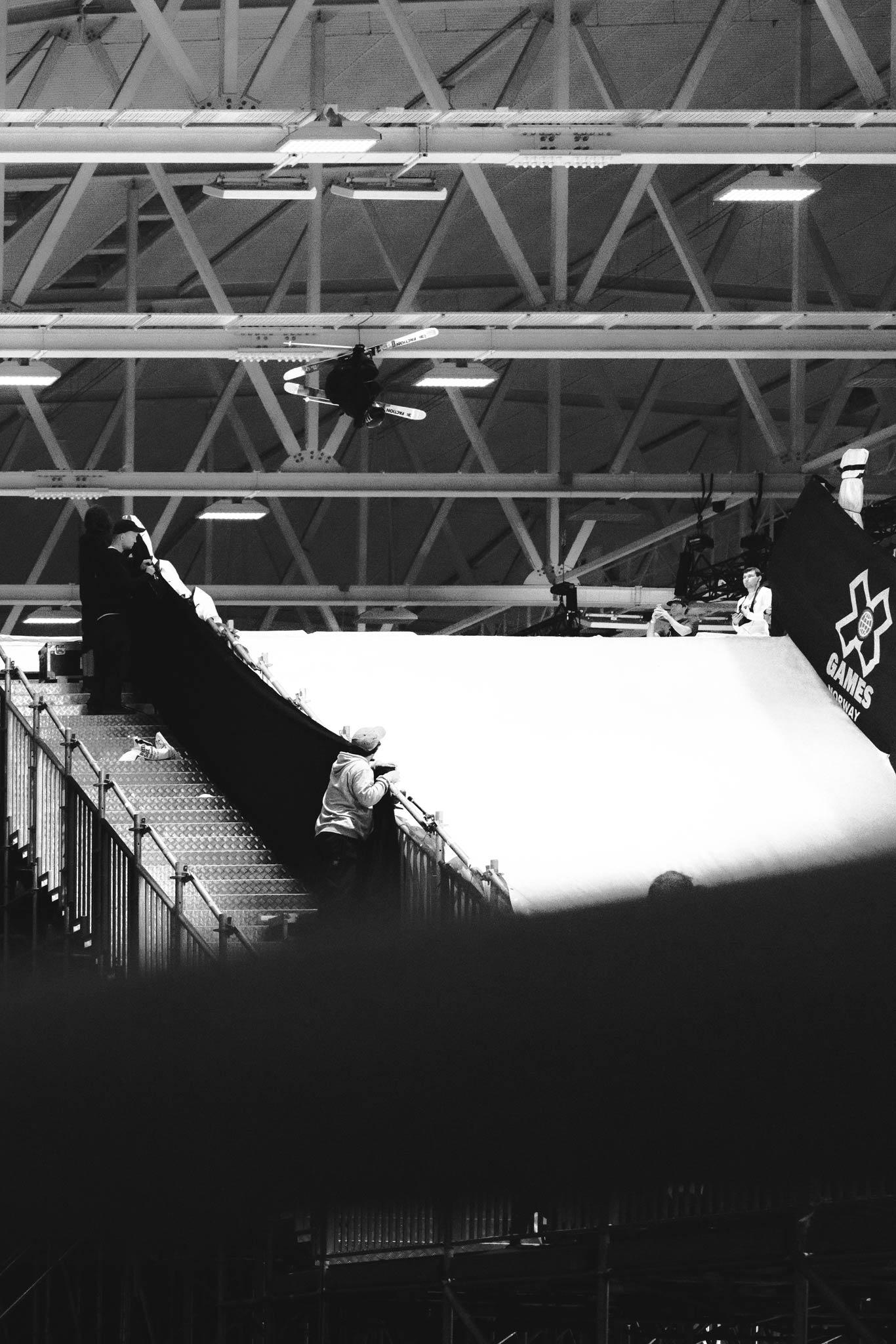 Entgegen einiger Befürchtungen von Fans waren die Rider noch weit vom Dach des Stadions entfernt. - Rider: Giulia Tanno - Foto: Jürgen Nigg