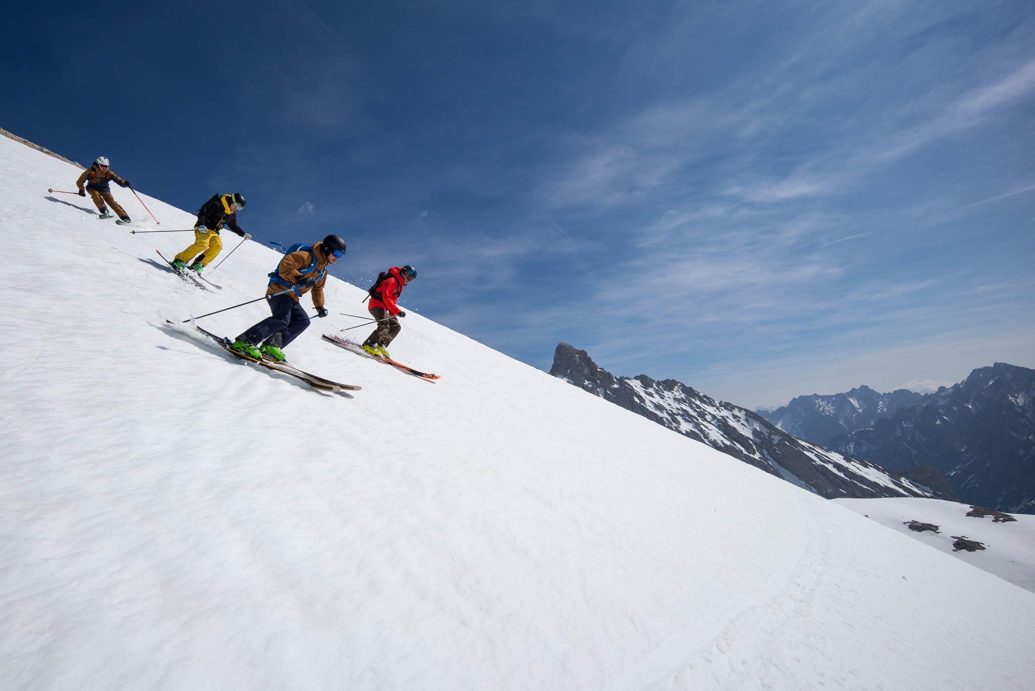 Junior Snow Safety Camps auf der Zugspitze im Dezember 2019 - Foto: Vivalpin
